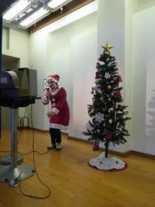 サンタ衣装で熱唱しました。