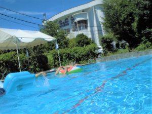 デイケア・夏季は院内のプールで楽しめます